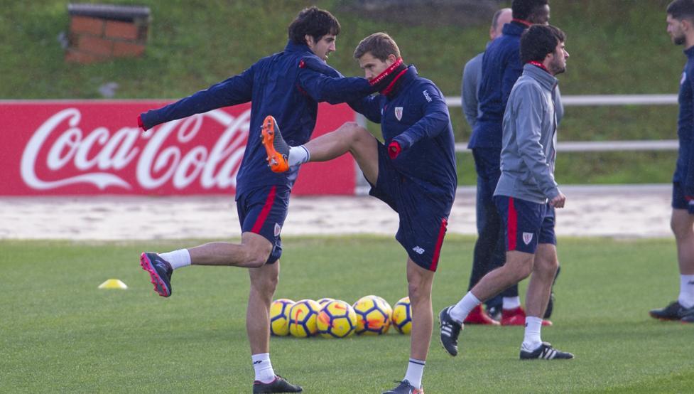 Iligo Martínez se estrena en convocatoria con el Athletic para la visita a Girona.