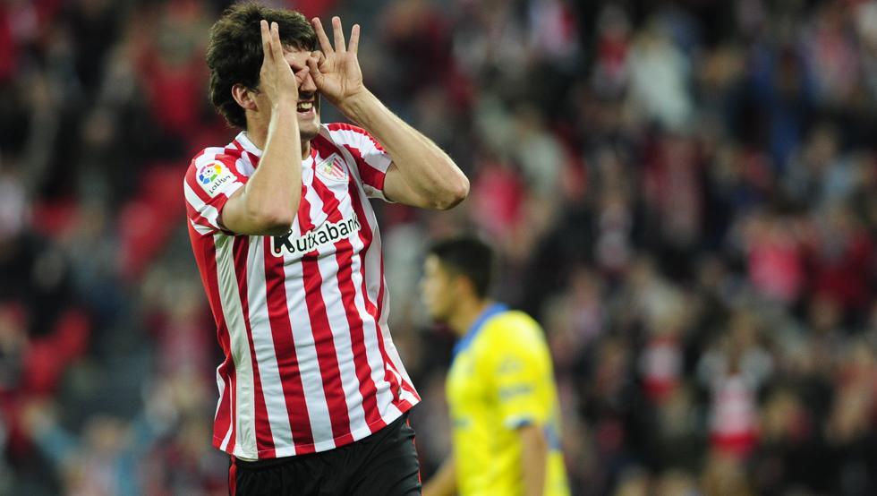 San José celebra el gol a Las Palmas, el primero del encuentro de San Mamés