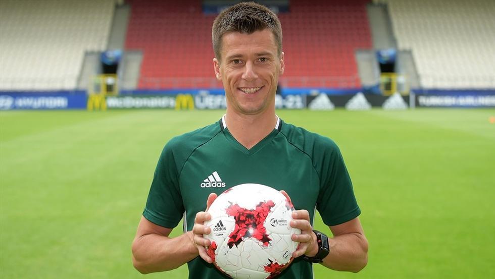 Benoit Bastien, árbitro del partido Spartak-Athletic