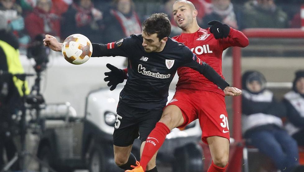 Lekue ocupó el carril izquierdo ante el Spartak