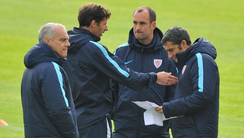Etxeberria, durante su etapa de ayudante de Valverde en el primer equipo del Athletic.