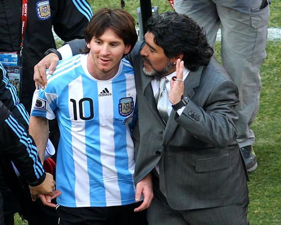 Leo Messi y Maradona cuando éste era seleccionador de Argentina.