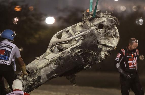Así quedó el coche de Grosjean, calcinado