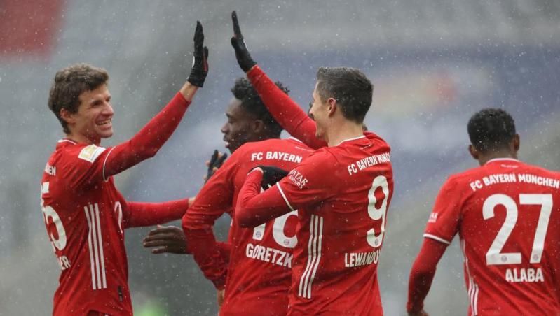El Bayern gana, aleja la crisis y es campeón de invierno