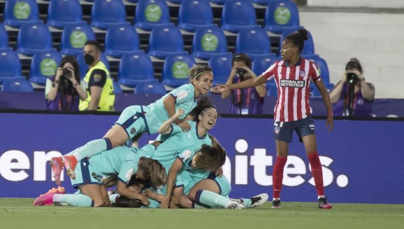 El Atlético falla en las dos áreas ante el Levante y se queda sin final