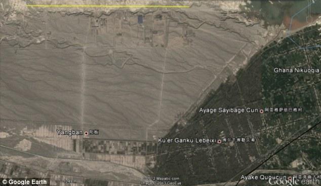 Viaje a ninguna parte, una visión general de toda la zona donde la línea amarilla señala la extraña construcción a muchos Km de cualquier zona civilizada.