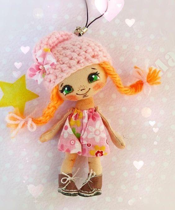Muñeca con vestido rosita