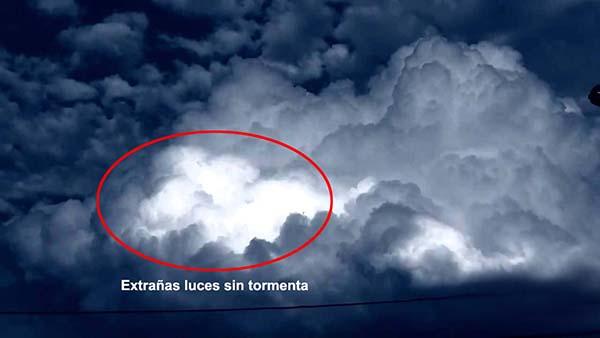Misteriosa nube en Belgica Extraña nube en Bélgica, ¿fenómeno ovni o anomalía atmosférica?