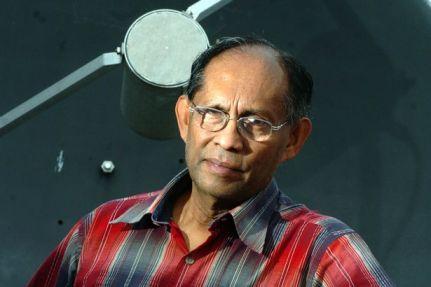 Chandra Wickramasinghe Científicos británicos afirman haber descubierto vida extraterrestre