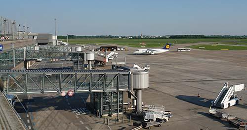Aeropuerto Bremen Un OVNI obliga a cancelar vuelos en el aeropuerto de Bremen en Alemania