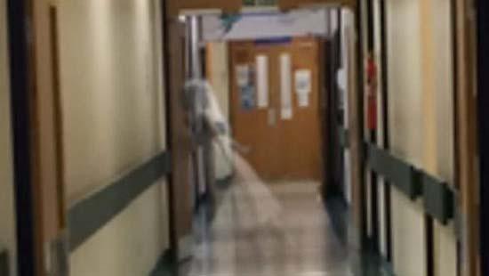 Ghost England Hospital - Un employé de l'hôpital d'Angleterre photographie le fantôme d'une petite fille