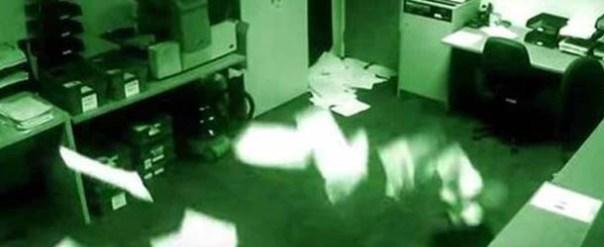 Continúa sin explicación el video que muestra actividad poltergeist en unas oficinas de Manchester