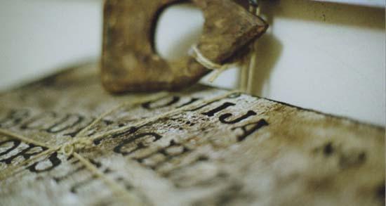 possessions démoniaques via le plateau ouija - possessions démoniaques via le plateau ouija