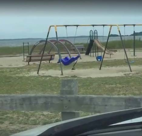 Fantasma en parque infantil