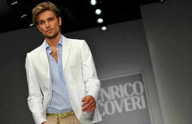 consejos de moda para hombres mayores de 40 años