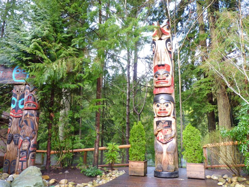Totem 03 Capilano Suspension Bridge Park Vancouver Canadá Mundo Indefinido