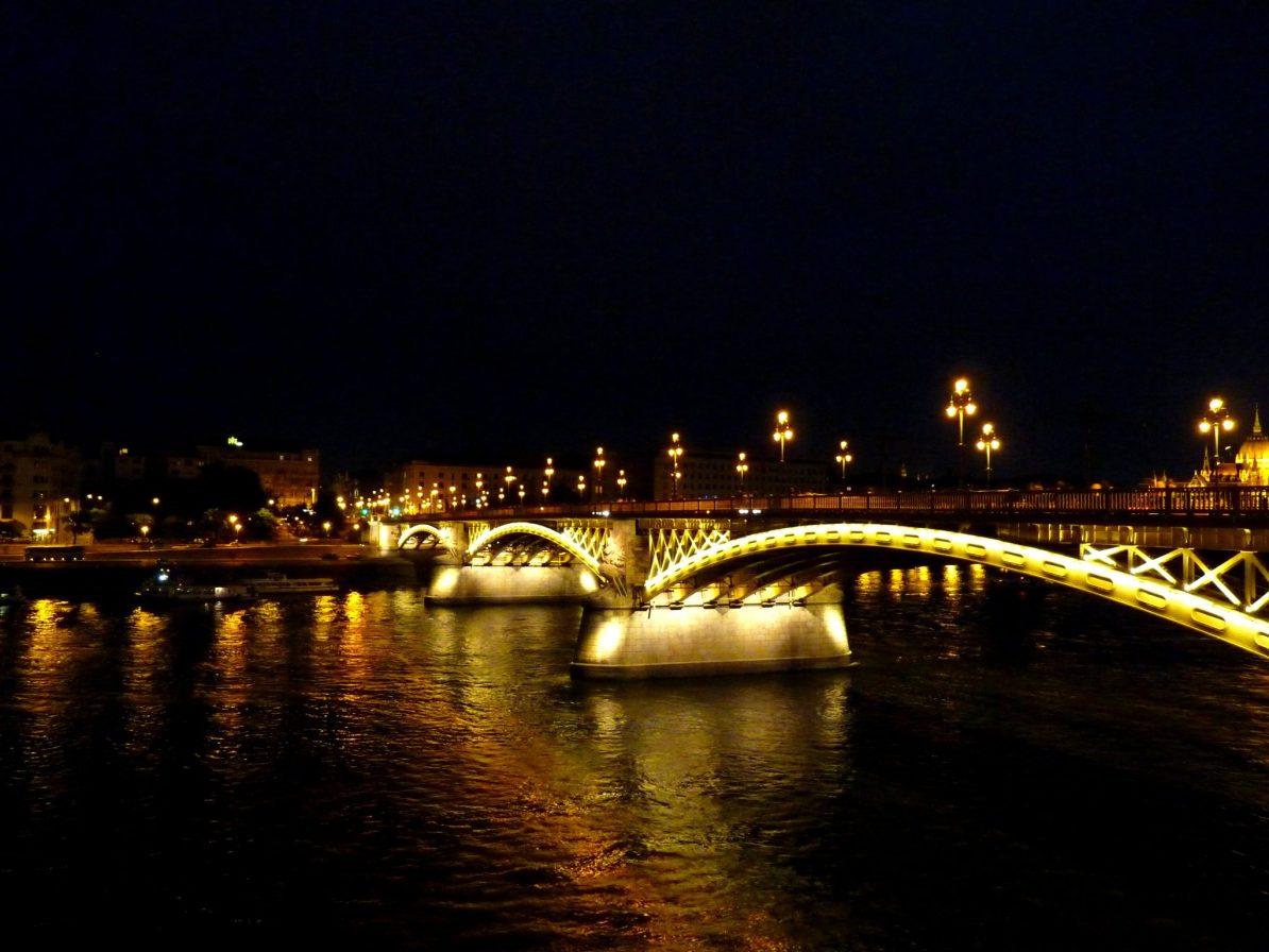 Ponte Margit 01 Budapeste Hungria Mundo Indefinido
