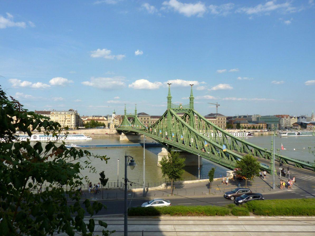 Ponte Szabadság 02 Budapeste Hungria Mundo Indefinido