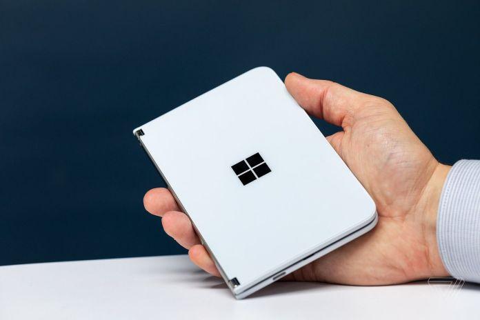 El nuevo anuncio de Surface Duo muestra que no sirve sólo para empresarios