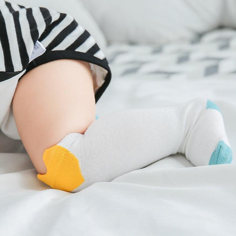Meia infantil cano alto coração sem anti derrapante