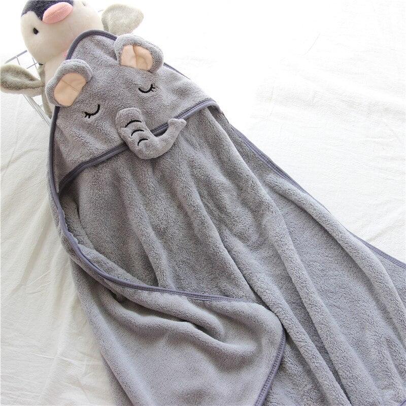 Toalha com capuz bichinhos