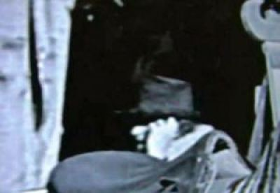 Viajero del tiempo cogido en una película de 1928 de Charlie Chaplin 3
