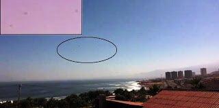 Tres OVNIs sobrevolando Antofagasta, Chile, 20 de marzo 2011