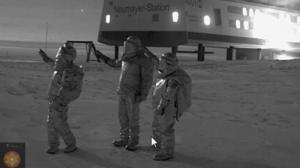 Estación Antártica Neumayer ¿Testigos de fenómenos extraños en el cielo? – 14 de julio 2011