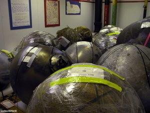 Misteriosas esferas encontradas en el Norte de Texas. La NASA las investiga. 2 agosto 2011.