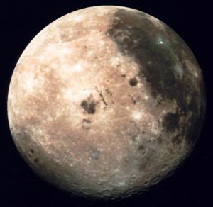 Objetos y estructuras en la Luna y Marte (video)