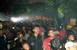 Avistamientos de fantasmas desata escenas de histeria en Yakarta Indonesie