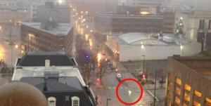 Fuego emana través de las calles de Omaha, NEBRASKA, 29 de enero 2013