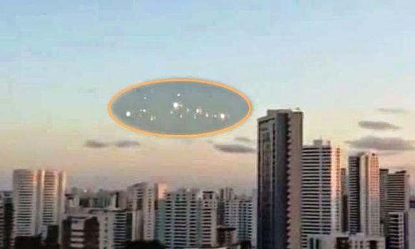 Misteriosas luces parpadeantes aparecen en São Paulo