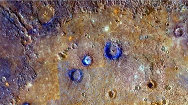 ¿Pirámides Azules en Mercurio?