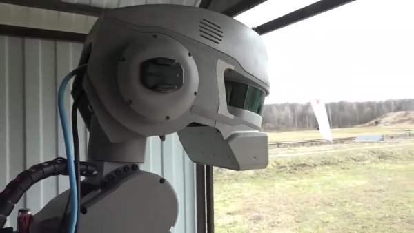 FEDOR el Robot no Militar que Dispara con Ambas Manos