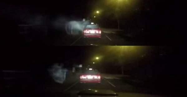 """Taxi de Hong Kong golpeado por """"Ser Sobrenatural"""""""