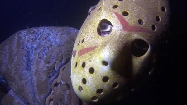 Encuentran a Jason de Viernes 13, en las Profundidades de una Mina Inundada