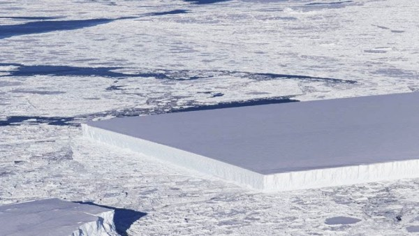 El Extraño Iceberg RECTANGULAR de la Antártida ¿Cortado con RAYO LÁSER?