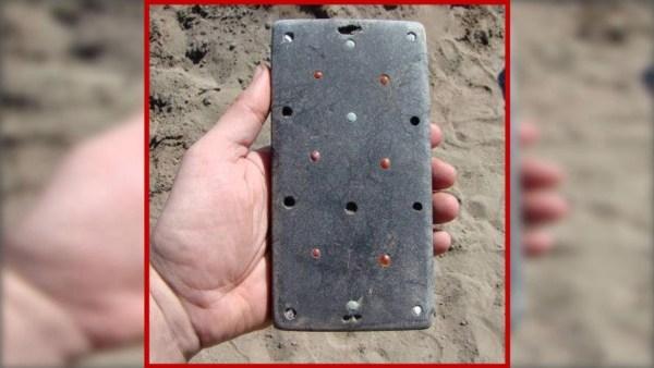 Encuentran IPHONE  de 2.137 años en la ATLÁNTIDA de Rusa ¿Que hay de Cierto?