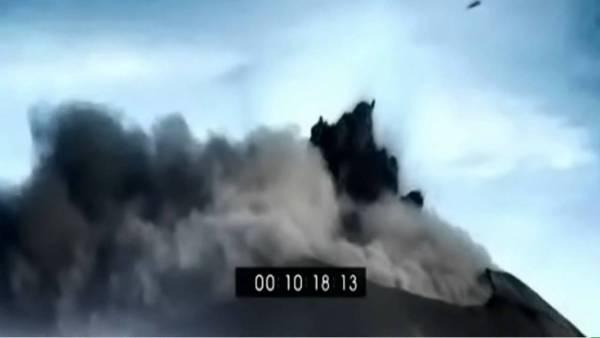 Avistamientos de ovnis en volcanes Indonesios Merapi y ANAK Krakatoa, Nov 2010