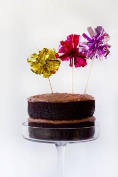 DIY-Fringe-Mylar-Cake-Topper