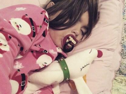 Crianças que dormem sozinhas
