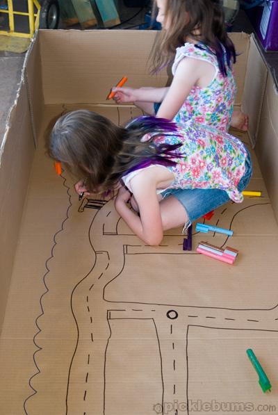 cidade de papelão caixa crianças