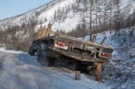 Mais um caminhão fora da estrada
