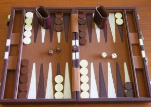 Backgammon - Juego de mesa de estrategia