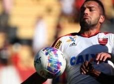 Flamengo vence o Tigres com dois gols do artilheiro Cirino