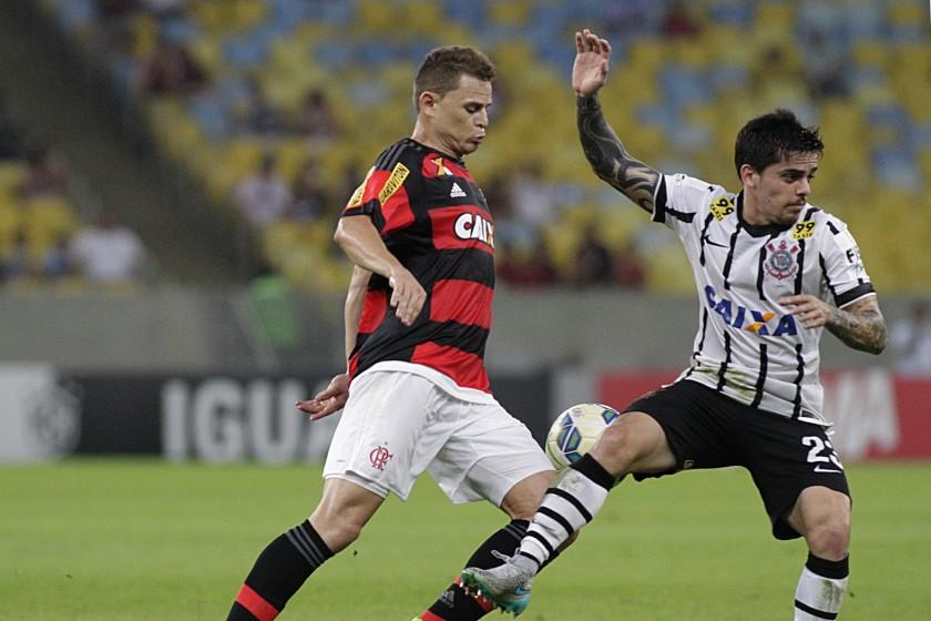 Até quando? Flamengo joga mal diante do Corinthians e perde mais uma no Brasileiro