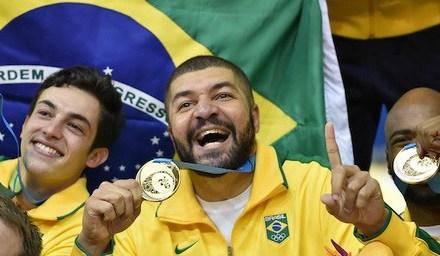 Brasil conquista ouro no Pan com destaque de rubro-negros