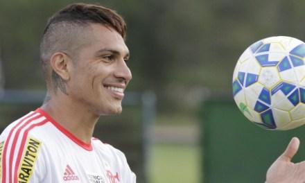 Zico aconselha Guerrero e atacante transborda carisma em programa de rádio