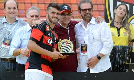 Eleito melhor jogador da Copinha, Felipe Vizeu atinge a primeira meta que traçou para 2016